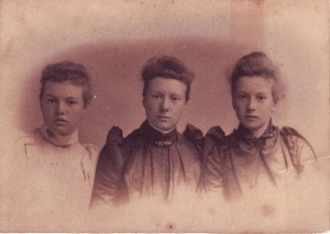 Edith Sophia, Julia Jane and Winifred Emily Paice