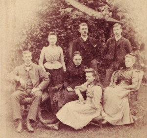 Elizabeth Moody with her children. Far left, James, Ethel, Arthur, Frank, Blanche and Mabel on stool